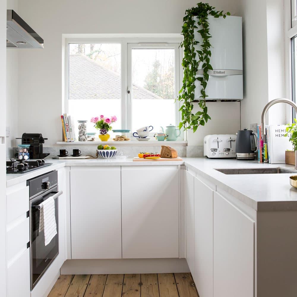 Como decorar una cocina blanca.