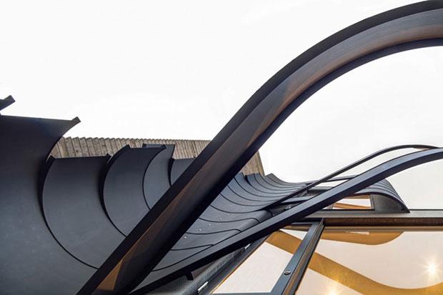 Fachadas modernas de lineas curvas.