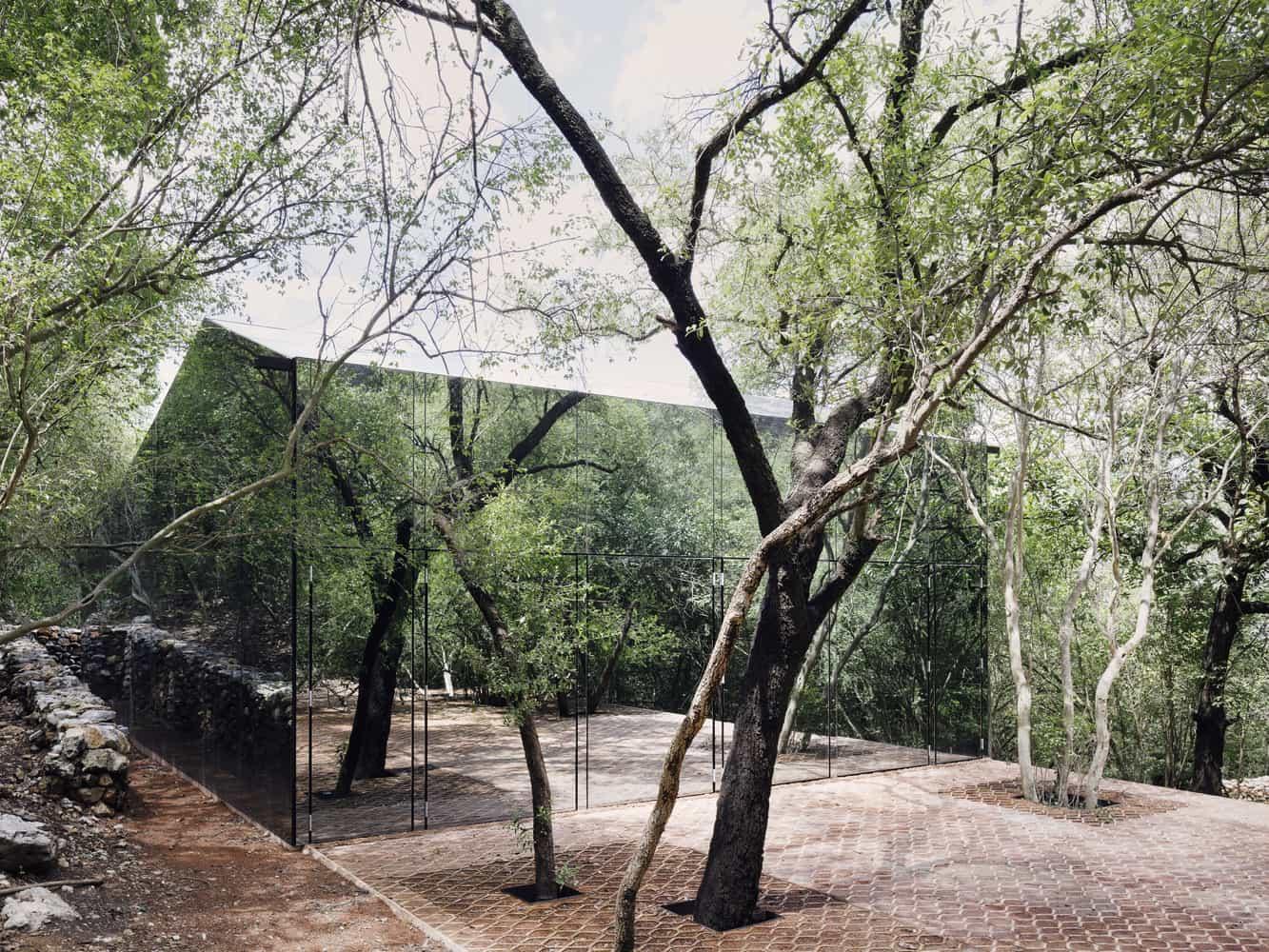 Fachadas modernas de una planta.
