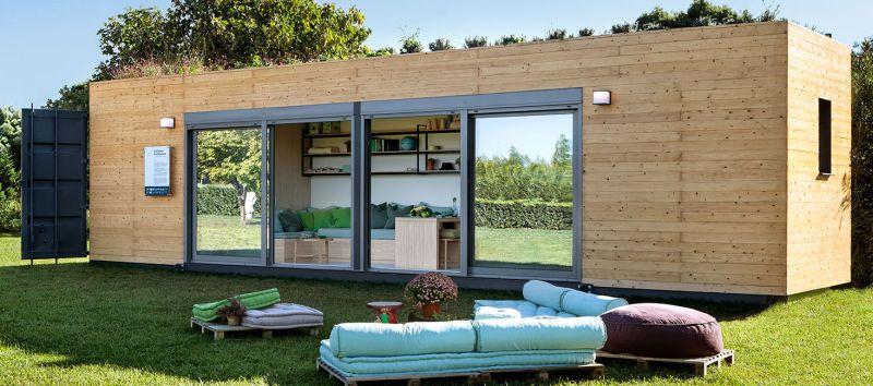 Las casas con contenedores marítimos se pueden revestir con madera.